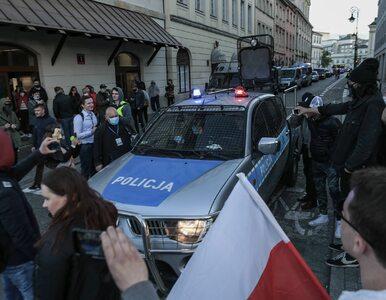 Szef MSWiA broni działań policji w trakcie protestu w Warszawie. Senator...