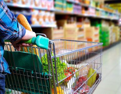 Od 1 września klienci sklepów muszą płacić za torebki foliowe. Ile...