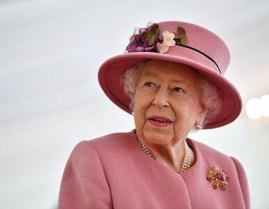 Królowa Elżbieta II pokazała się publicznie. To pierwszy wyjazd z pałacu...