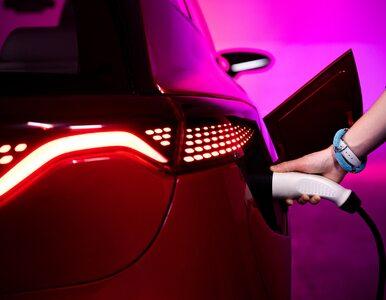 """""""Financial Times"""": Za 10 lat zakaz sprzedaży samochodów na benzynę"""