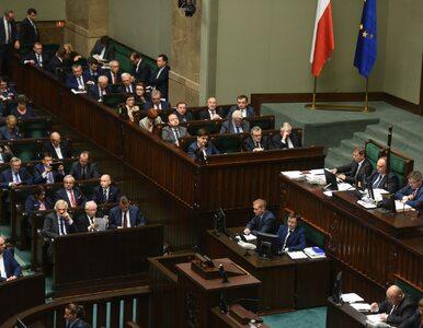 Sowite nagrody w rządzie Szydło. Urzędnikom rozdano 160 mln zł