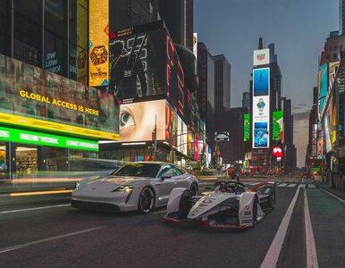 """Porsche 99X Electric i Taycan 4S na Times Square. Było """"elektrycznie""""..."""