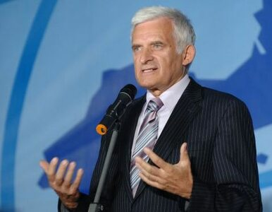 Buzek po skandalu: PE nie będzie tolerować korupcji