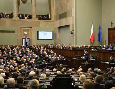 Intensywny dzień w Sejmie. Dyskusja po expose i głosowanie nad wotum...