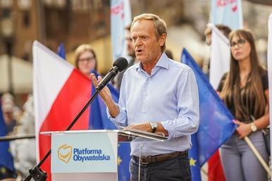"""""""PiS traktuje pomysł Tuska jako wyłącznie polityczną rozgrywkę"""". Co..."""