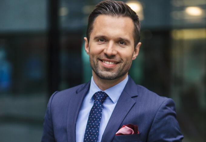 Bartłomiej Annusewicz, Dyrektor Zarządzający agencji nieruchomości premium Lions Estate.