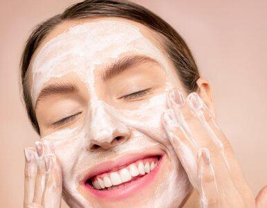 Peeling enzymatyczny a peeling kwasowy – który jest lepszy dla skóry?