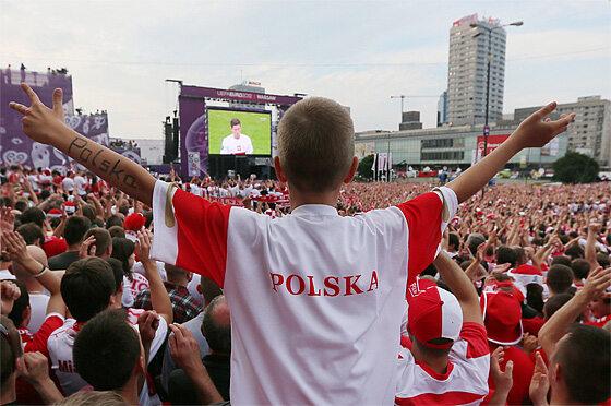 W 17 minucie Lewandowski uszczęśliwił wszystkich! (fot. PAP/Paweł Supernak)