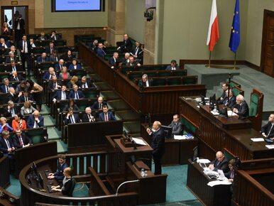 Sondaż poparcia dla partii: PO coraz bliżej PiS, PSL poza Sejmem