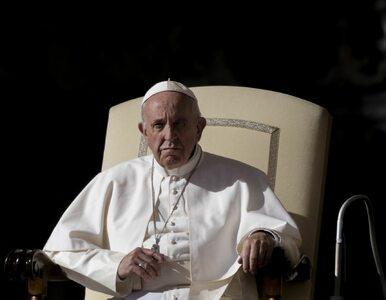 Papież karci księży: Nie można ustalać cennika sakramentów