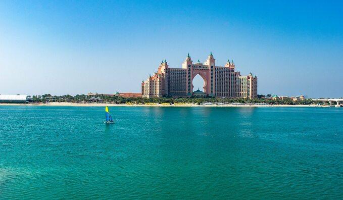 Położony napalmowej wyspie Dżamira wDubaju pięciogwiazdkowy hotel Atlantis ThePalm