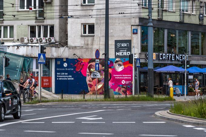 Warszawa, mural projektu Beaty Śliwińskiej
