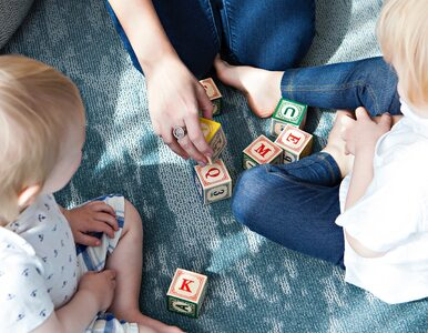Jak reklamy śmieciowego jedzenia i zabawek wpływają na dzieci?