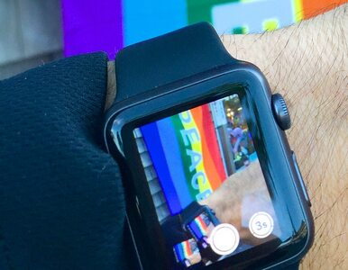 Twierdzi, że iPhone zrobił z niego geja. Domaga się od Apple miliona rubli