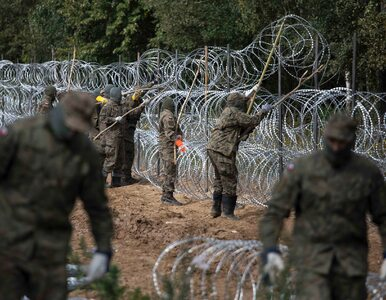 """Ustalenia """"Wprost"""": Stan wyjątkowy na granicy z Białorusią potrwa dłużej"""