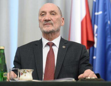 """Macierewicz chce pozwać autorów jego biografii. Dziennikarze """"Wprost""""..."""