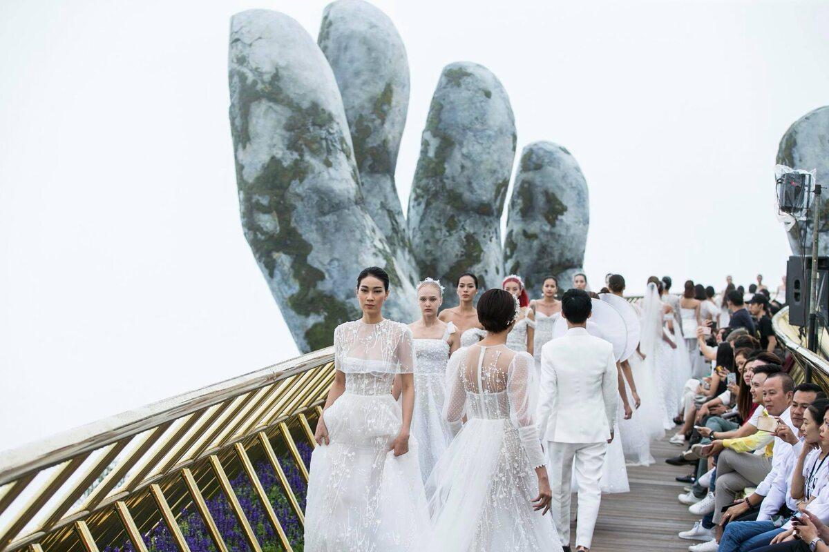 Pokaz mody Chung Thanh Phong Bridal