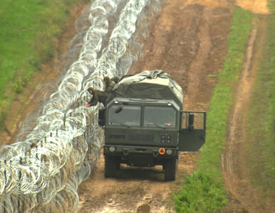 Szef MON zapowiedział siatkę po obu stronach płotu przy granicy....