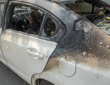 Spalony samochód na przedmieściach. W środku ciało zaginionego ambasadora?
