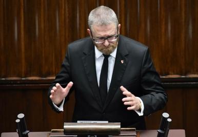 Grzegorz Braun ukarany <br>za skandaliczne słowa. Dostał najwyższy...