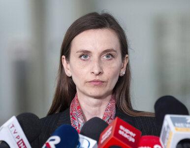 """""""Brunatne bydło"""". Spurek krytykuje Zandberga i pisze o """"przemocy wobec..."""