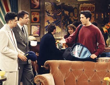 """""""Przyjaciele"""" – quiz z serialu. Kto prześladuje Rossa i Chandlera w..."""