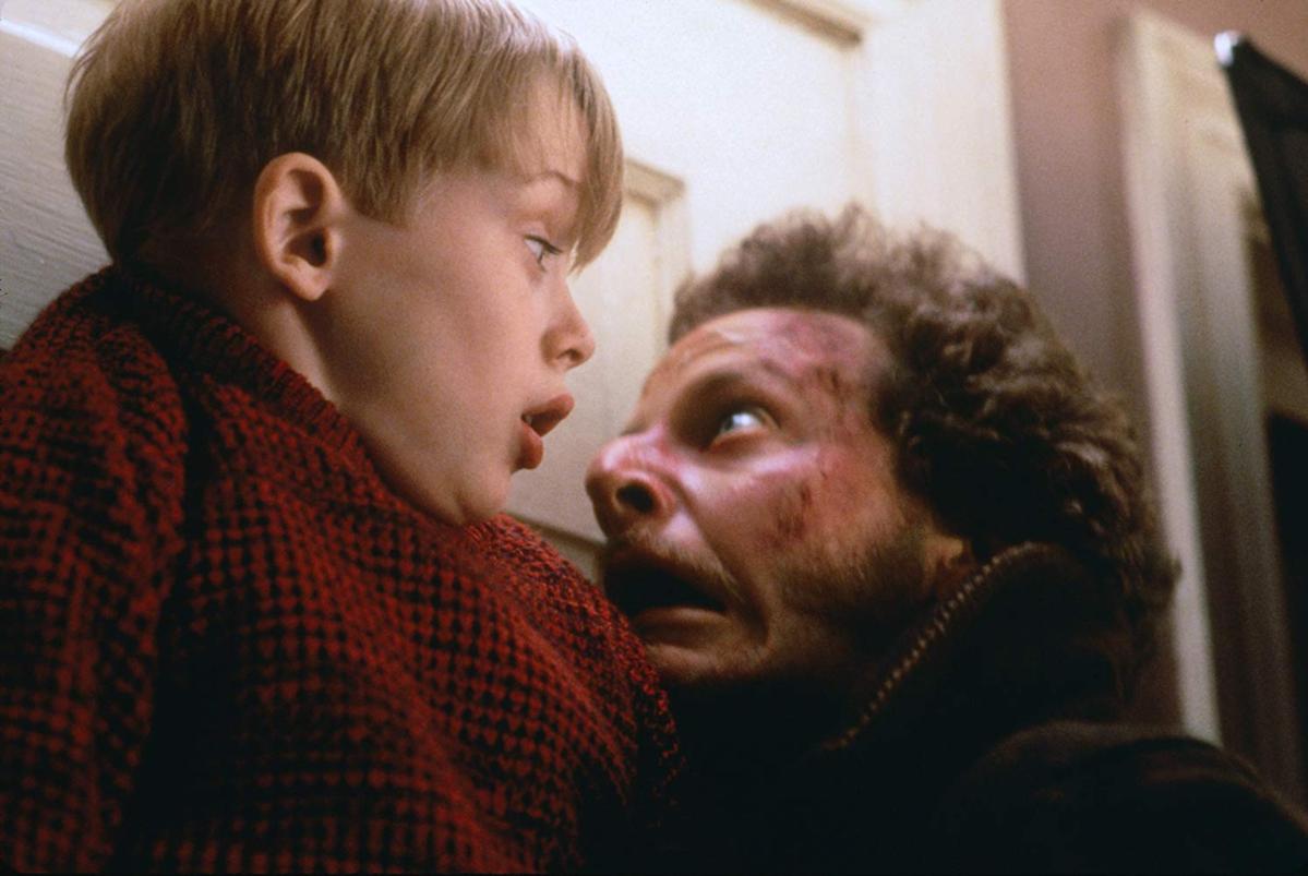 """Kadr z filmu """"Kevin sam w domu"""" (1990)"""