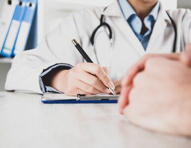 Ponad połowa pracowników służby zdrowia na całym świecie walczy z...