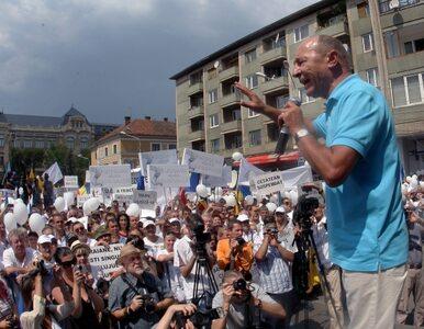 Rumunia: wojna lewicy z prezydentem trwa