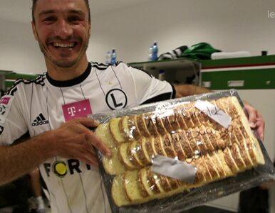 Saganowski za sto bramek dostał... sto ciastek