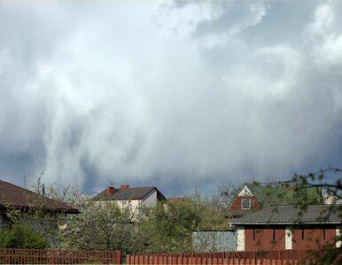 Pogoda na dziś. Chłodniej i większa szansa na deszcz. Gdzie wystąpią burze?