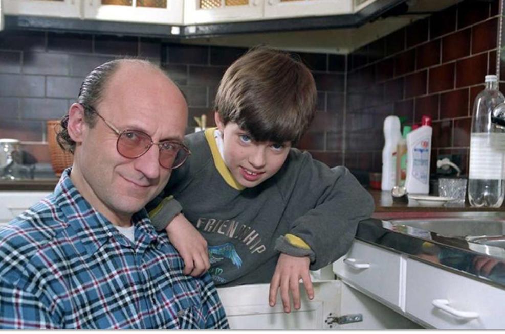 """Jak nazywał się aktor dziecięcy z serialu """"Tata, a Marcin powiedział""""?"""