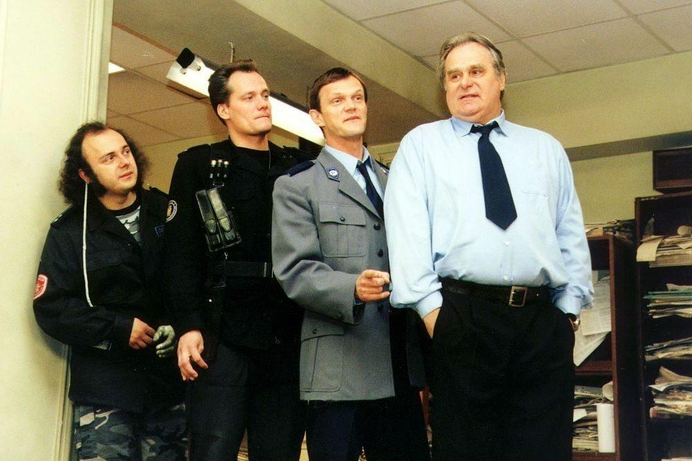 """Który aktor wcielił się w Arnolda w serialu """"13 posterunek""""?"""