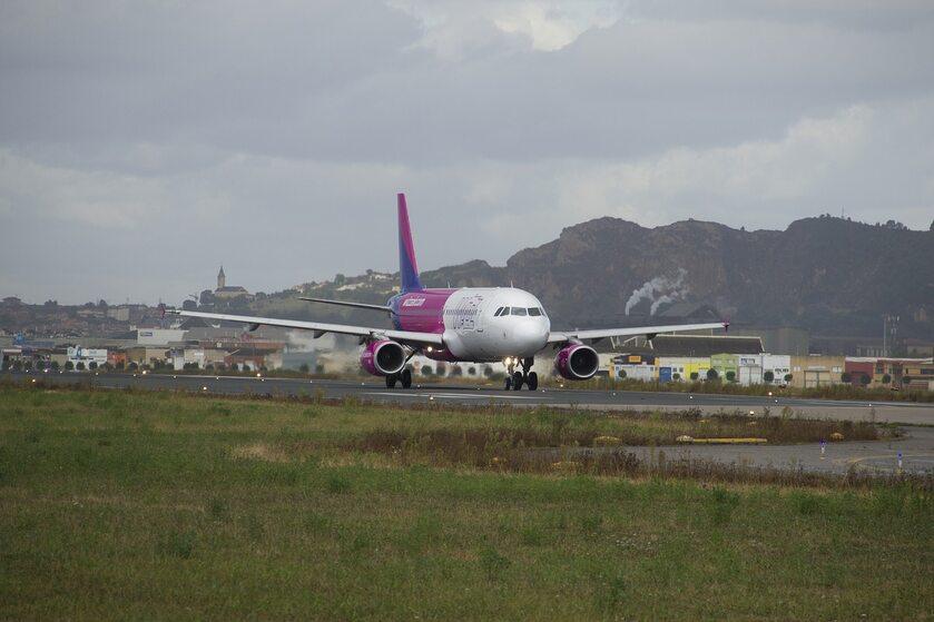 Samolot WizzAir - zdjęcie ilustracyjne
