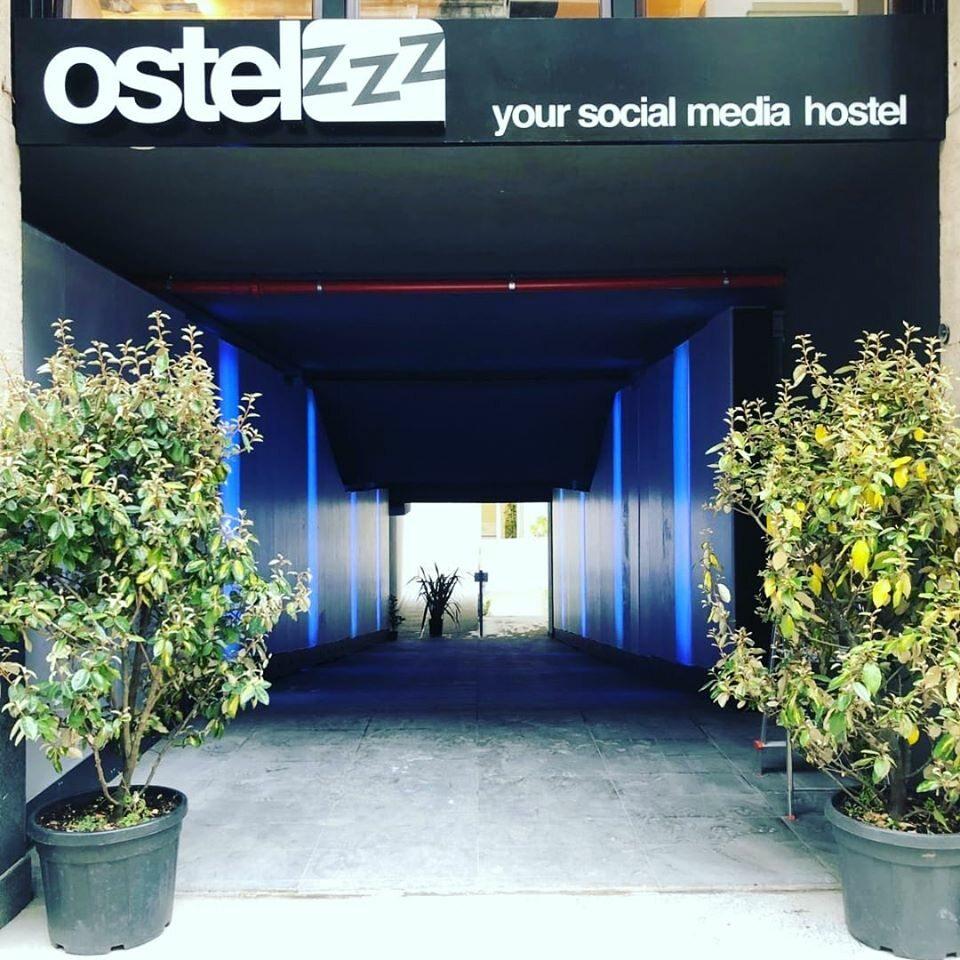 Hotel Ostelzzz wMediolanie