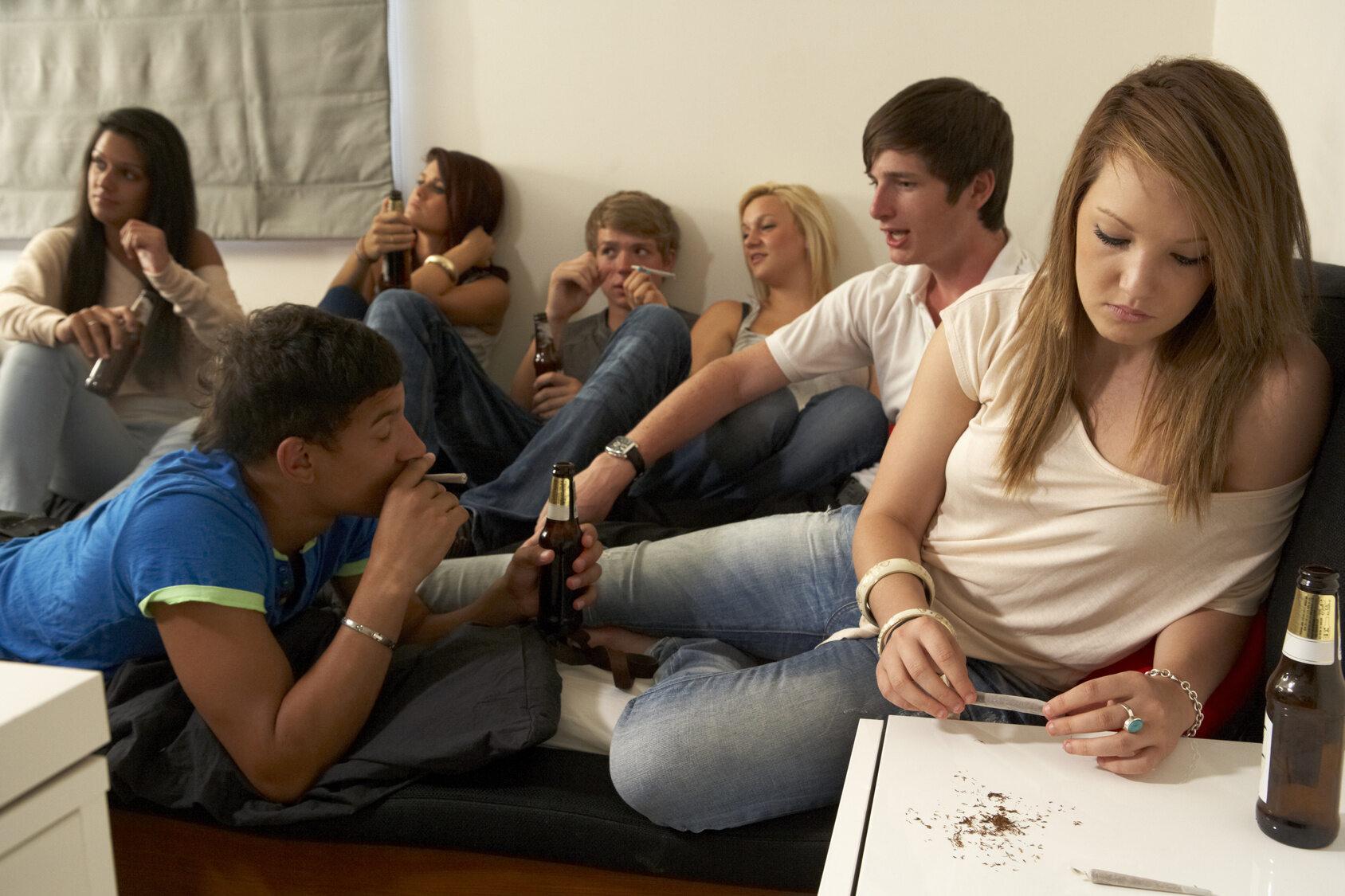 Nastolatki (zdj. ilustracyjne)
