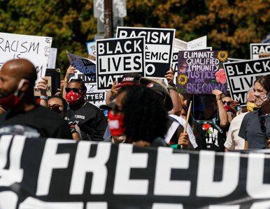 Demonstranci z Black Lives Matter starli się ze zwolennikami Trumpa....