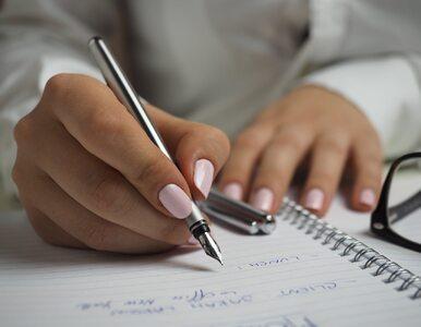 Naukowcy: Notatki pisane ręcznie są lepsze, niż elektroniczne