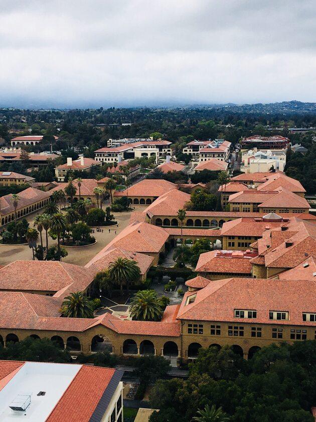 Uniwersytet Stanforda Uniwersytet Stanforda widok z wierzy Hoovera