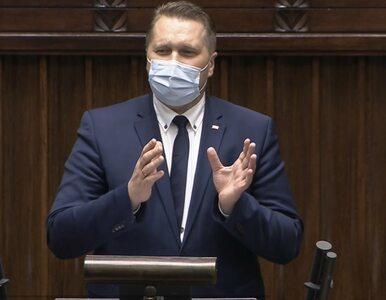 """Czarnek w Sejmie o """"lewackich bójówkach"""". """"Terroryzują naszą młodzież"""""""