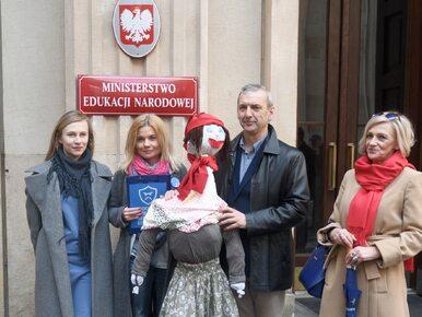 Alternatywa dla referendum ws. gimnazjów. Lepiej zapytać Polaków o czas...