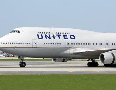 Pasażer samolotu zmarł po awaryjnym lądowaniu. Miał objawy COVID-19
