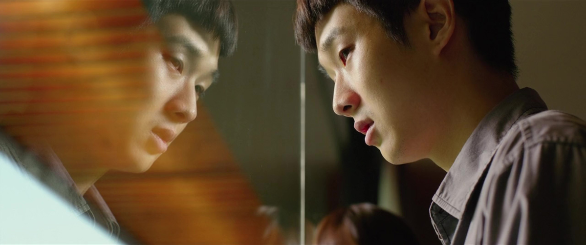 """Kadr z filmu """"Parasite"""" (org. """"Gisaengchung"""") (2019)"""