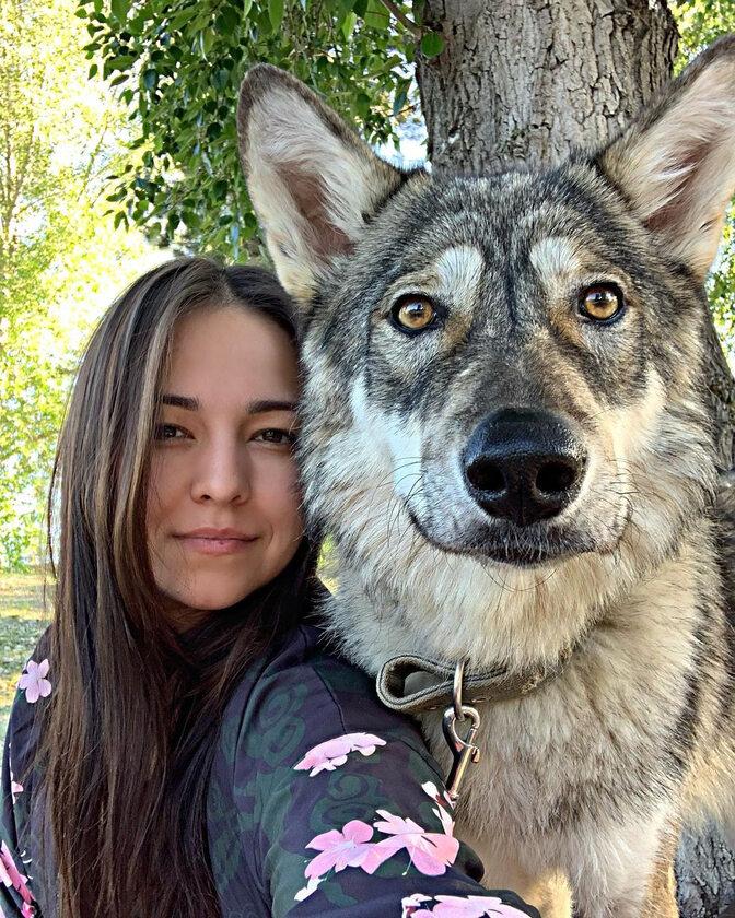 Alida i jej wilczyca Kira