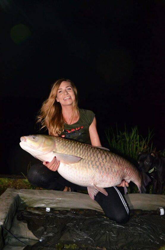 Monika Lechowska-Bacia z rybą