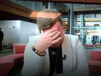 Zapłakana Beata Kempa o Sikorskim: Byłby w stanie bić kobiety