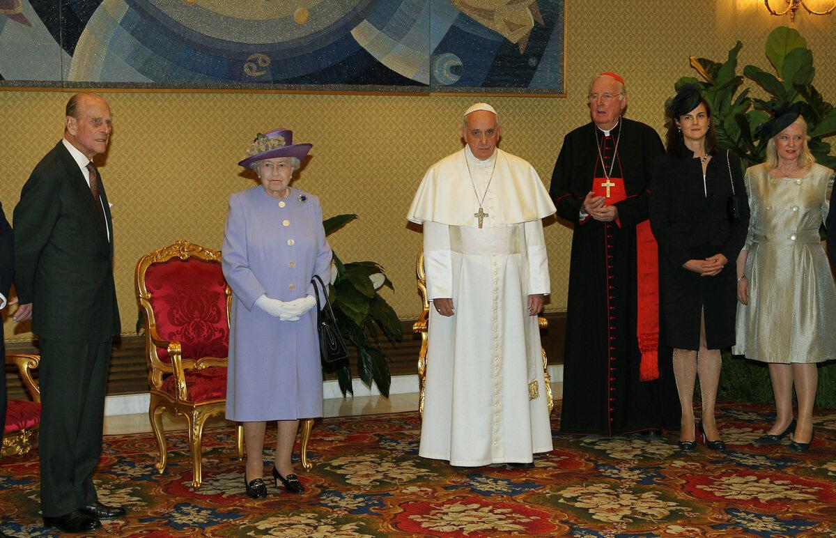 Królowa Elżbieta i książę Filip na spotkaniu z papieżem Franciszkiem w 2014 roku