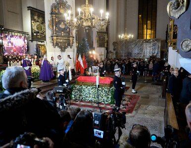 Prezydenci sześciu miast ponieśli trumnę Pawła Adamowicza. Mszę...