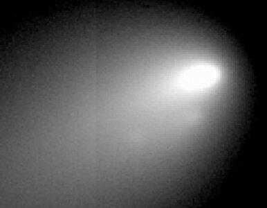 Kometa rozpada się na naszych oczach