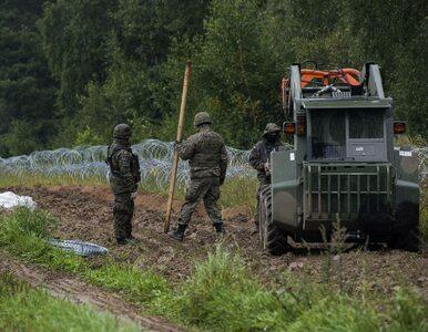 Ogrodzenie na polsko-białoruskiej granicy. MON: Do tej pory powstało 15...